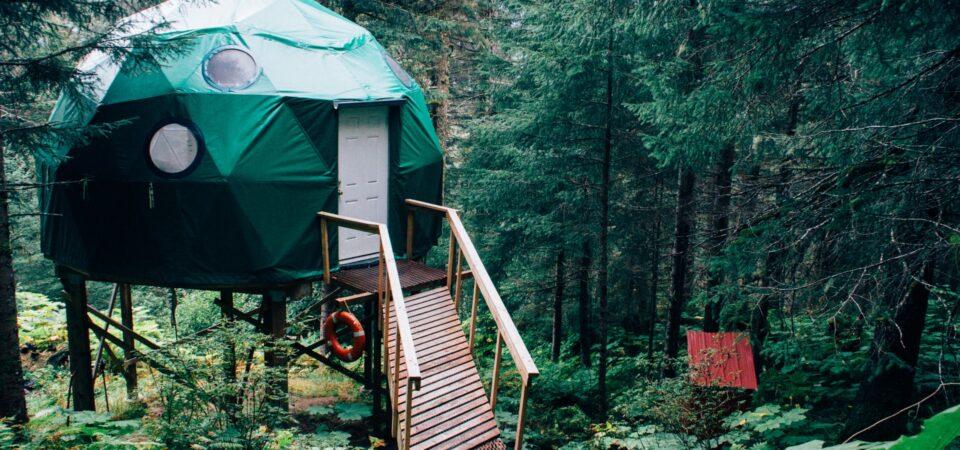 Airbnb vs Enjoy